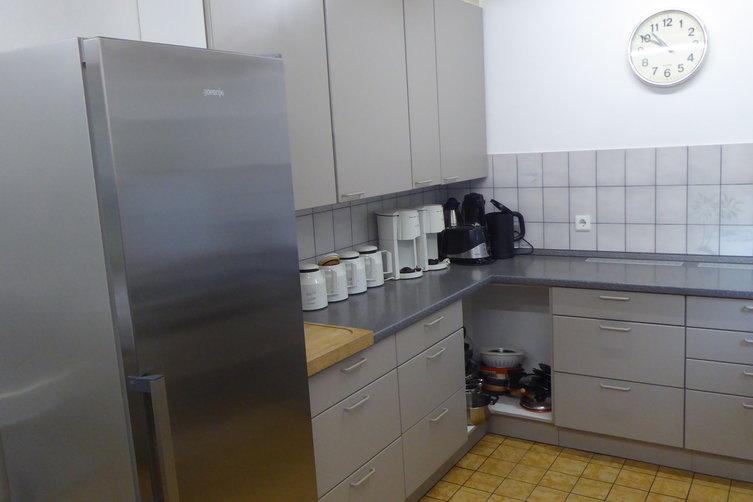 Küche-und-Kühlschrank